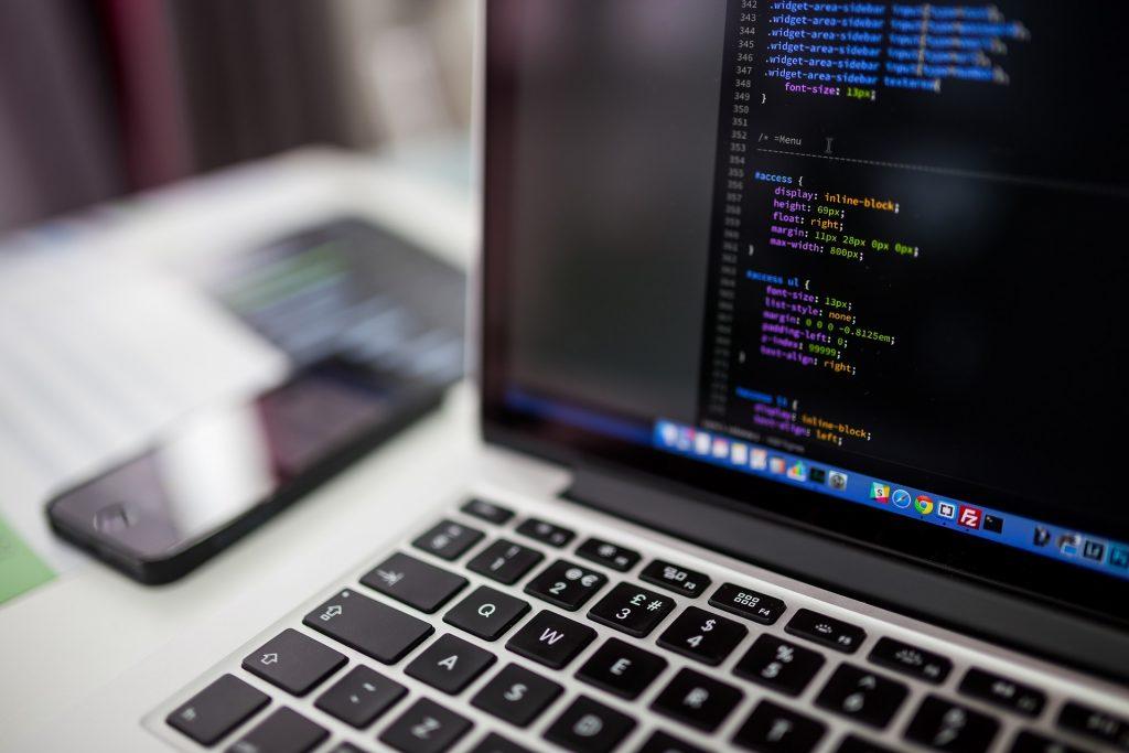 Développeuse web : découverte du métier