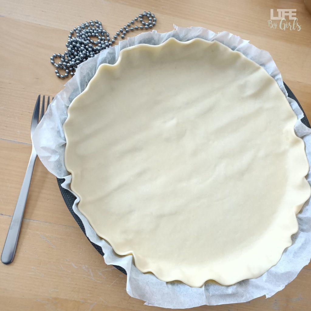 Tarte aux pommes -piquage de pâte
